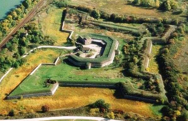 Pohľad na pôvodnú pevnosť
